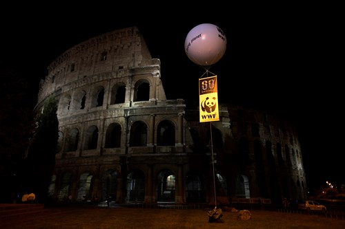 Coliseum Lights Out Earth Hour 2016